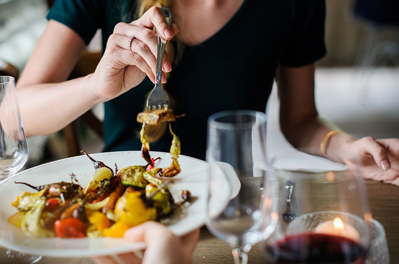 Come creare un corretto abbinamento vino-cibo?
